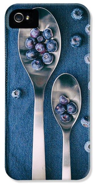 Blueberries On Denim I IPhone 5s Case by Tom Mc Nemar