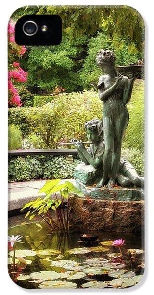 Burnett Fountain Garden IPhone 5s Case by Jessica Jenney