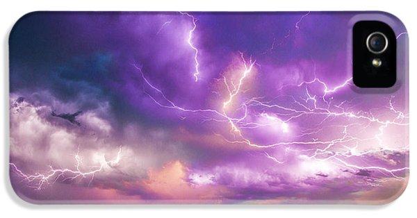 Nebraskasc iPhone 5s Case - Chasing Nebraska Lightning 056 by NebraskaSC