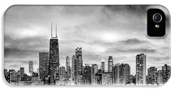 Chicago Gotham City Skyline Black And White Panorama IPhone 5s Case by Christopher Arndt