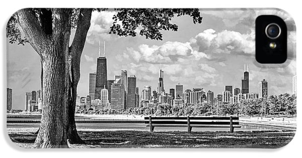 IPhone 5s Case featuring the photograph Chicago North Skyline Park Black And White by Christopher Arndt