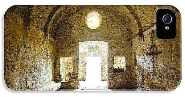 Dungeon iPhone 5s Case - Church Ruin by Carlos Caetano