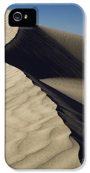 Contours IPhone 5s Case by Chad Dutson
