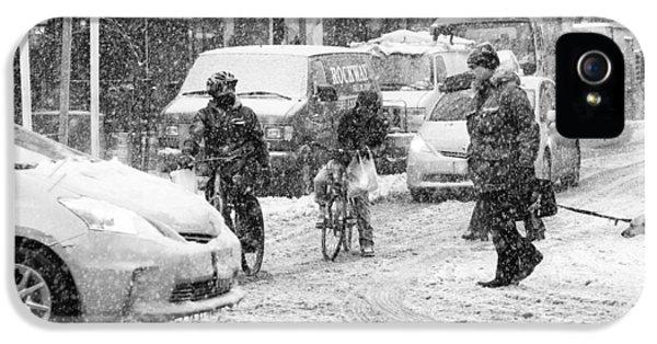 Crosswalk In Snow IPhone 5s Case by Dave Beckerman