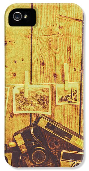 Nostalgia iPhone 5s Case - Developing A Scene by Jorgo Photography - Wall Art Gallery