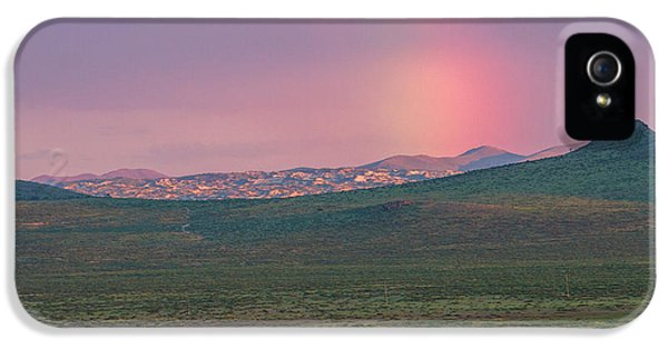 IPhone 5s Case featuring the photograph End Of Rainbow by Hitendra SINKAR