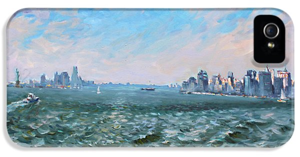 Entering In New York Harbor IPhone 5s Case by Ylli Haruni