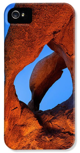 Evening's  Eye IPhone 5s Case by Mike Lang