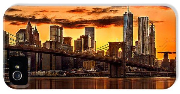 Fiery Sunset Over Manhattan  IPhone 5s Case by Az Jackson