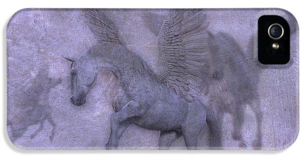 Pegasus iPhone 5s Case - Flight by Betsy Knapp