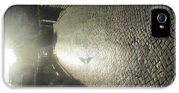 Detail iPhone 5s Case - Illuminated Inverted Path by Anamarija Marinovic