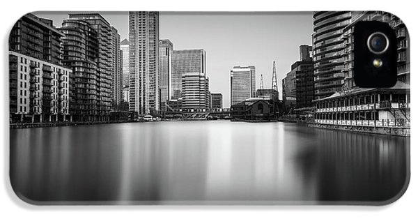 Inside Canary Wharf IPhone 5s Case by Ivo Kerssemakers