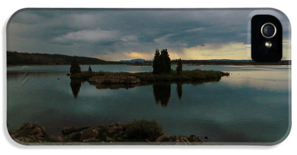 Island In The Storm IPhone 5s Case by Karen Shackles