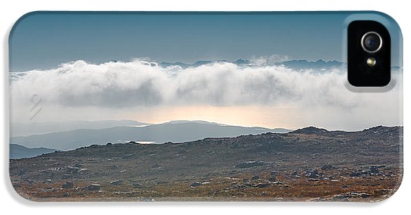 IPhone 5s Case featuring the photograph Kingdom In The Sky by Gary Eason
