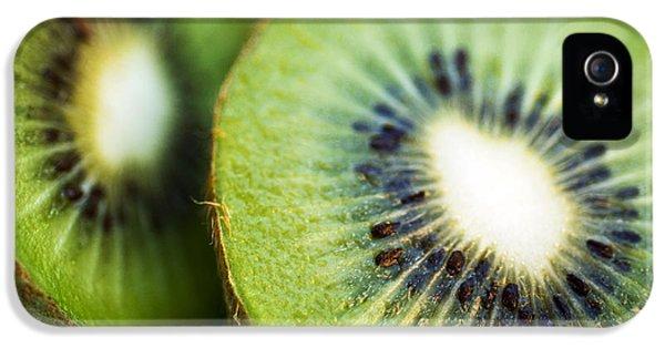 Kiwi Fruit Halves IPhone 5s Case by Ray Laskowitz - Printscapes