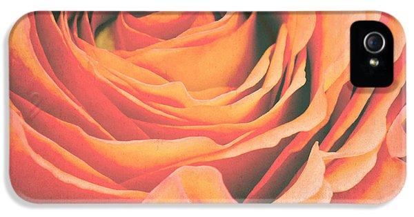 Rose iPhone 5s Case - Le Petale De Rose by Angela Doelling AD DESIGN Photo and PhotoArt