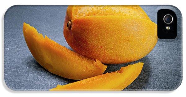 Mango iPhone 5s Case - Mango And Slices by Elena Elisseeva