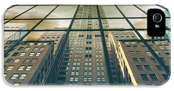 IPhone 5s Case featuring the photograph Manhattan Reflected by Jessica Jenney