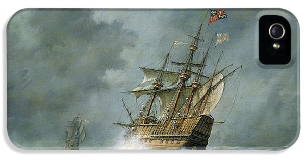 Boat iPhone 5s Case - Mary Rose  by Richard Willis