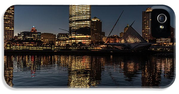 IPhone 5s Case featuring the photograph Milwaukee Reflections by Randy Scherkenbach