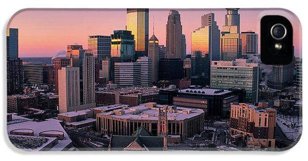 University Of Minnesota iPhone 5s Case - Minneapolis Skyline At Sunset by Gian Lorenzo Ferretti