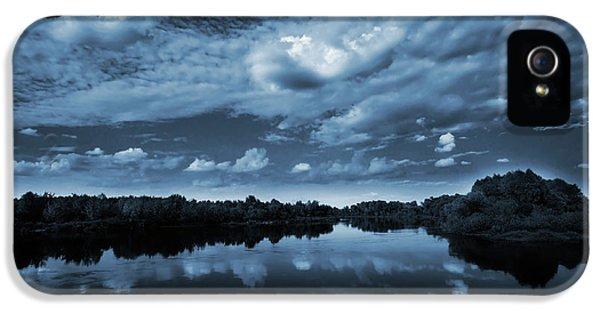 Landscape iPhone 5s Case - Moonlight Over A Lake by Jaroslaw Grudzinski