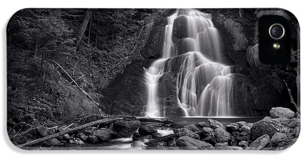 Landscapes iPhone 5s Case - Moss Glen Falls - Monochrome by Stephen Stookey