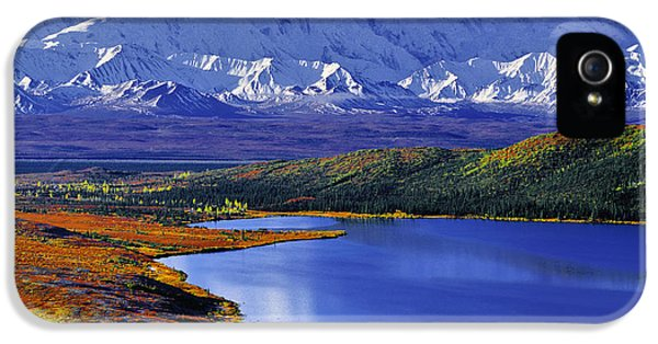 Mount Rushmore iPhone 5s Case - Mount Mckinley And Wonder Lake Campground In The Fall by Tim Rayburn