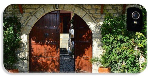 Old House Door IPhone 5s Case by Nuri Osmani