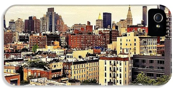 City iPhone 5s Case - Over The Rooftops Of New York City by Vivienne Gucwa