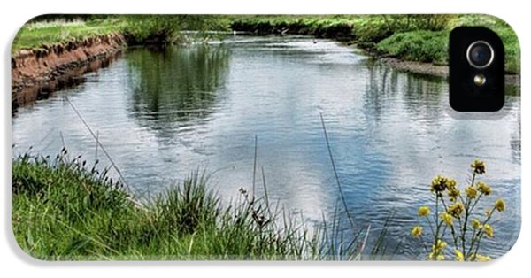 Sky iPhone 5s Case - River Tame, Rspb Middleton, North by John Edwards