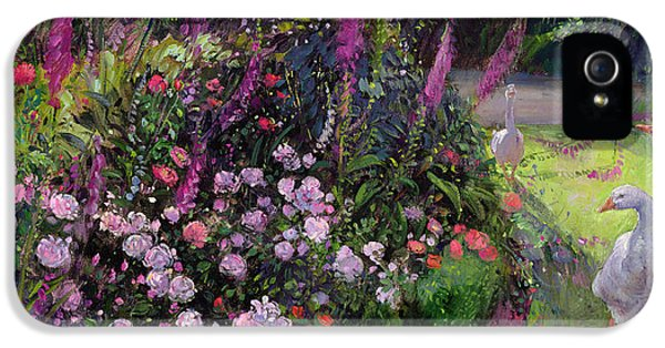 Rose Bed And Geese IPhone 5s Case by Timothy Easton