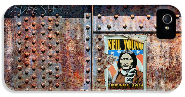 Neil Young iPhone 5s Case - Rust Never Sleeps, Neil Young by Mal Bray