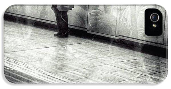 London iPhone 5s Case - Señor #metro #underground #subway by Rafa Rivas