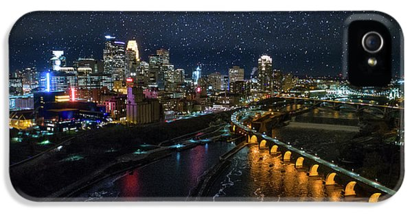 University Of Minnesota iPhone 5s Case - Starry Night In Minneapolis by Gian Lorenzo Ferretti