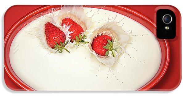Strawberries Splashing In Milk IPhone 5s Case