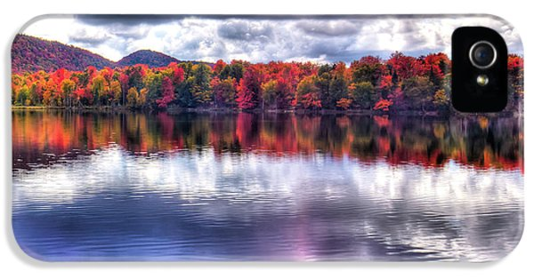 IPhone 5s Case featuring the photograph Sun Streaks On West Lake by David Patterson