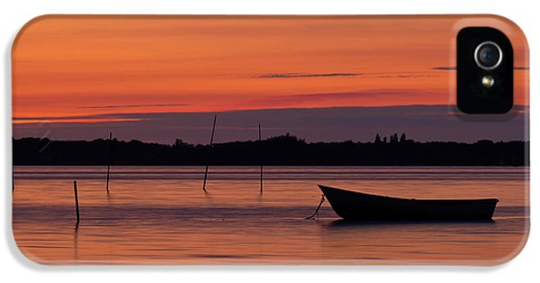 Canary iPhone 5s Case - Sunset Boat by Gert Lavsen