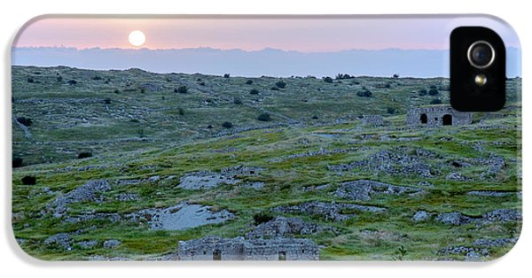 Sunset Over A 2000 Years Old Village IPhone 5s Case by Dubi Roman