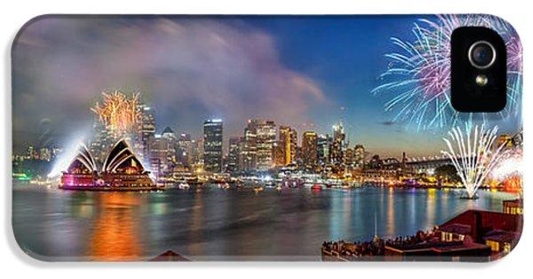 Sydney Sparkles IPhone 5s Case by Az Jackson