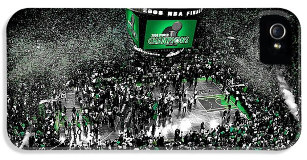 The Boston Celtics 2008 Nba Finals IPhone 5s Case by Brian Reaves
