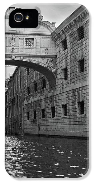 IPhone 5s Case featuring the photograph The Bridge Of Sighs, Venice, Italy by Richard Goodrich