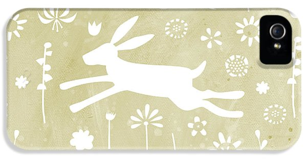 The Hare In The Meadow IPhone 5s Case by Nic Squirrell