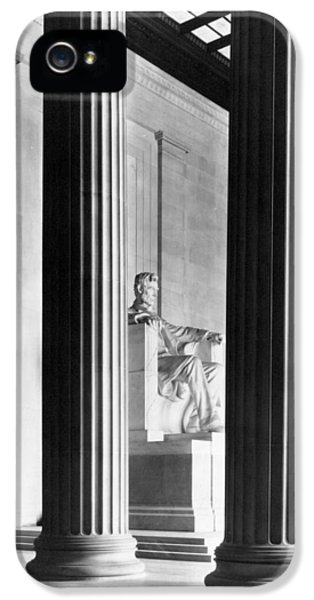 The Lincoln Memorial IPhone 5s Case by War Is Hell Store