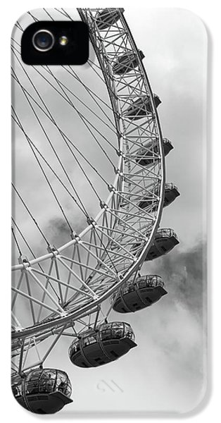 IPhone 5s Case featuring the photograph The London Eye, London, England by Richard Goodrich