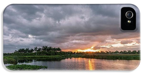 iPhone 5s Case - This Photograph Was Taken In The by Jon Glaser