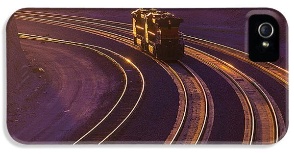Train At Sunset IPhone 5s Case by Garry Gay