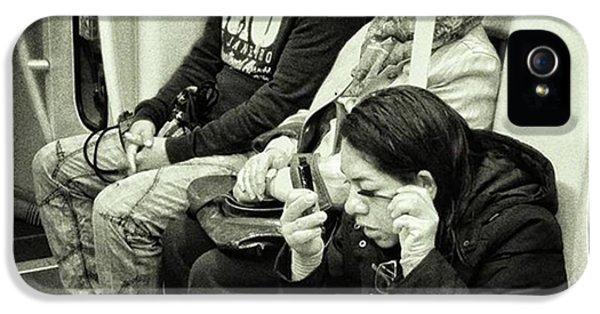 London iPhone 5s Case - Underground Rimmel #blackandwhite by Rafa Rivas