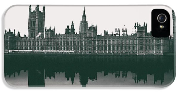 Westminster Abbey iPhone 5s Case - Westminster Reflection by Martin Newman