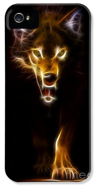 Wolf Ready To Attack IPhone 5s Case by Pamela Johnson